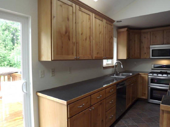 Interior shaker doors online for Alder shaker kitchen cabinets