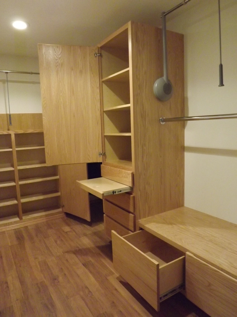 Wheelchair Accessible Closet System Camano Custom